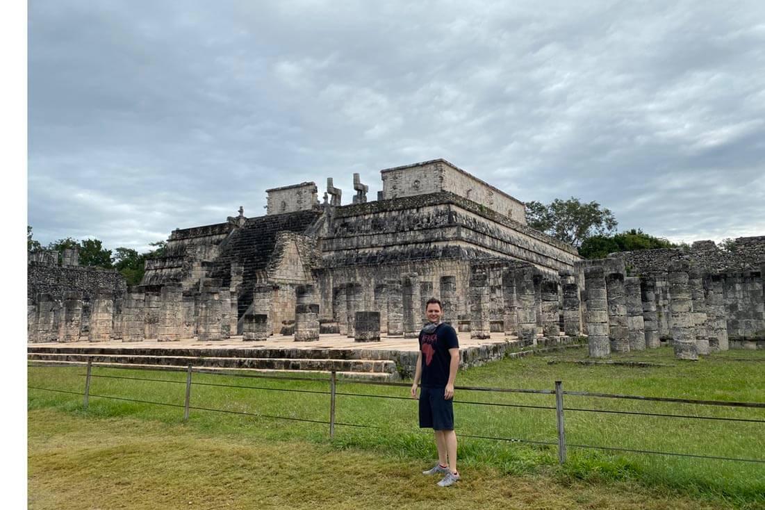 Me, visiting Chichén Itzá