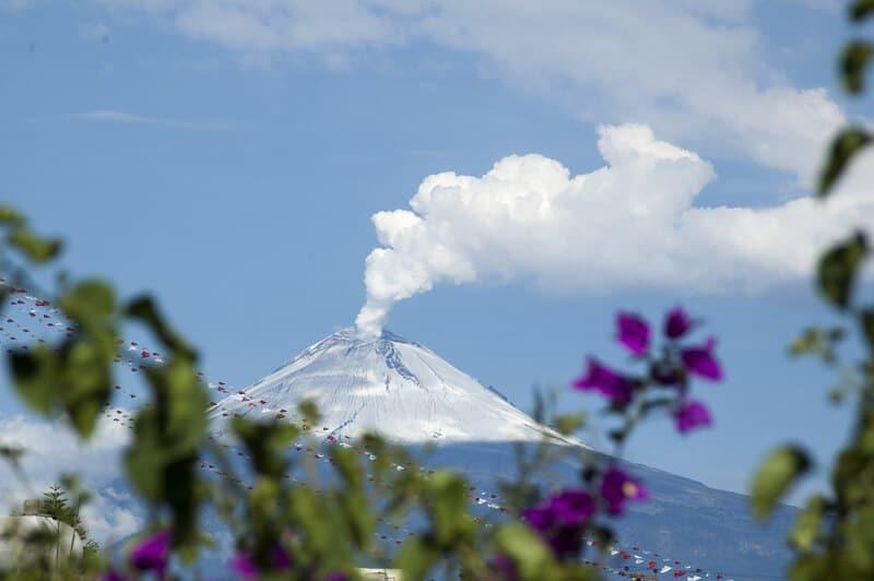 Popocatépetl in Izta Popo National Park