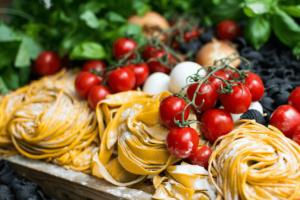 tomato, tagliatelle, mozzarella